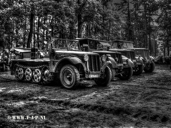 Sd.Kfz. 10  wh1225378    Militracks   18-05-2014    Overloon