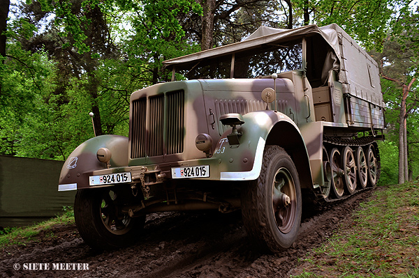 Sd.Kfz-7   924015   of the Cromton Colection  Overloon  18-05-2013