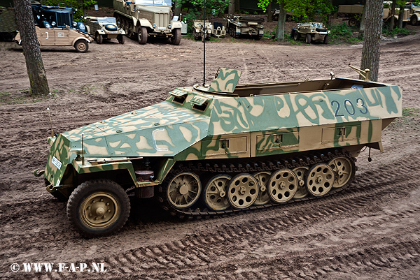 Sd-Kfz-251.  The  203 WH-336396  Overloon 15-05-2015