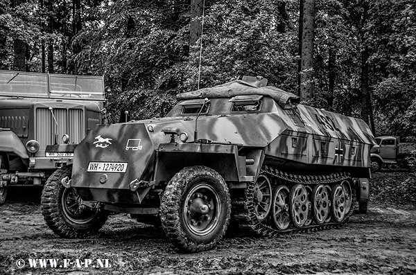 Sd.Kfz.251 Half -Track 432 WH-1274920 Overloon  16-05-2015