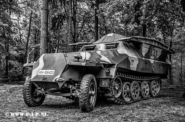 Sd.Kfz.251 Half -Track 831  WH-126423   Overloon   16-05-2015